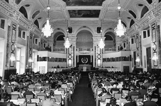 ホーフブルクで開かれていた頃のIAEA総会