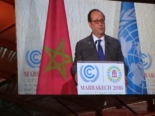 11月15日 パリ協定締約国会合において、フランス・オランド大統領は、米国がパリ協定採択に果たした役割を高く評価する一方、いまだ世界第二位の排出国である米国には、自ら掲げた目標を実行していく義務があると発言し、会場の拍手を浴びた。